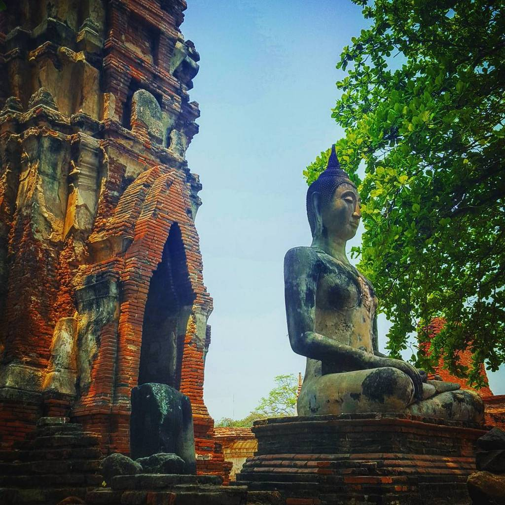 Ayutthaya buddha thai history old temple travel guide photo tourist attraction