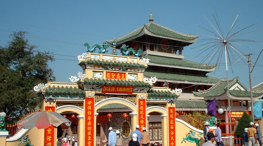 lady xu temple An Giang Vietnam destination travel guide outside entrance
