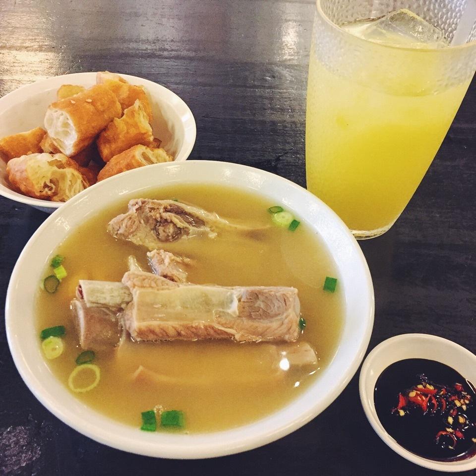 Bak Kut Teh is usually eaten with soy sauce.