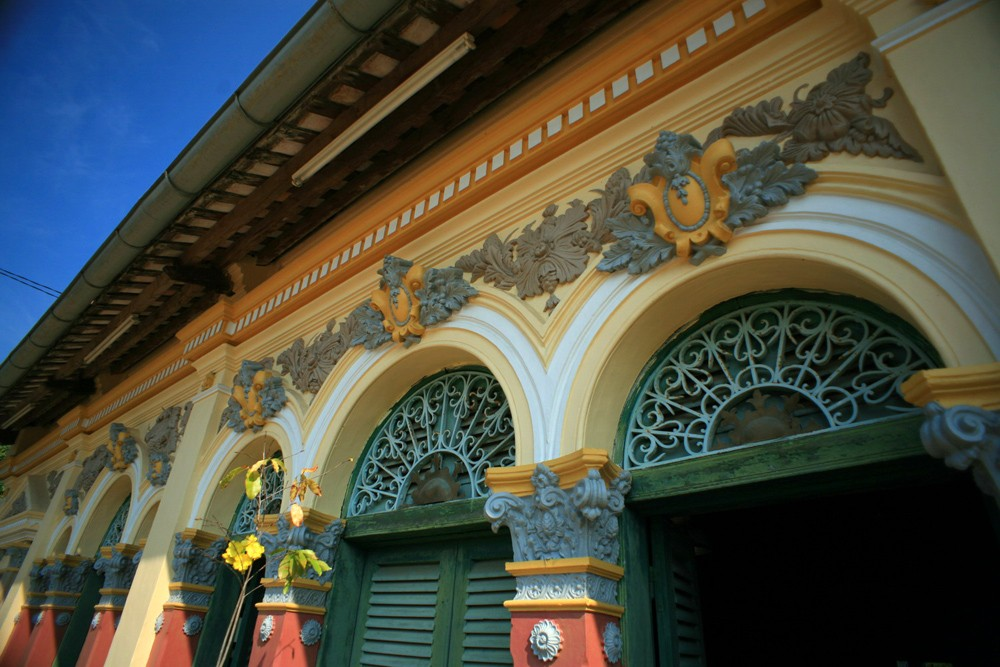 Binh Thuy ancient house can tho travel tips 30