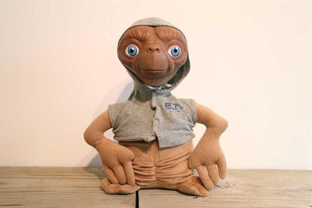 E.T dolls banned France
