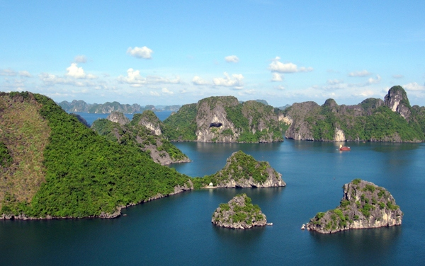 Ha Long Bay Viet Nam Titov island