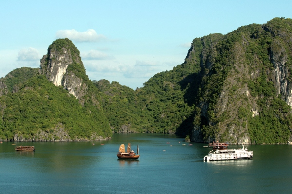 Ha Long Bay tourist destination Titov island travel tip