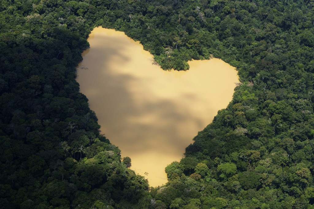 Heart-Shaped Lake, Brazil - httpworldtoptop.com