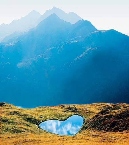 Heart-Shaped Lake, Switzerland - httpworldtoptop.com