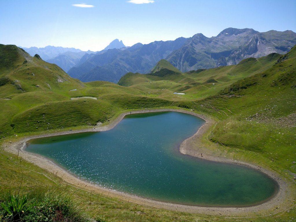 Lac du Montagnon, France - www.ladouane.com