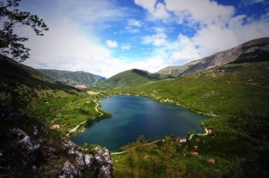 Lago di Scanno, Italy - httpworldtoptop.com