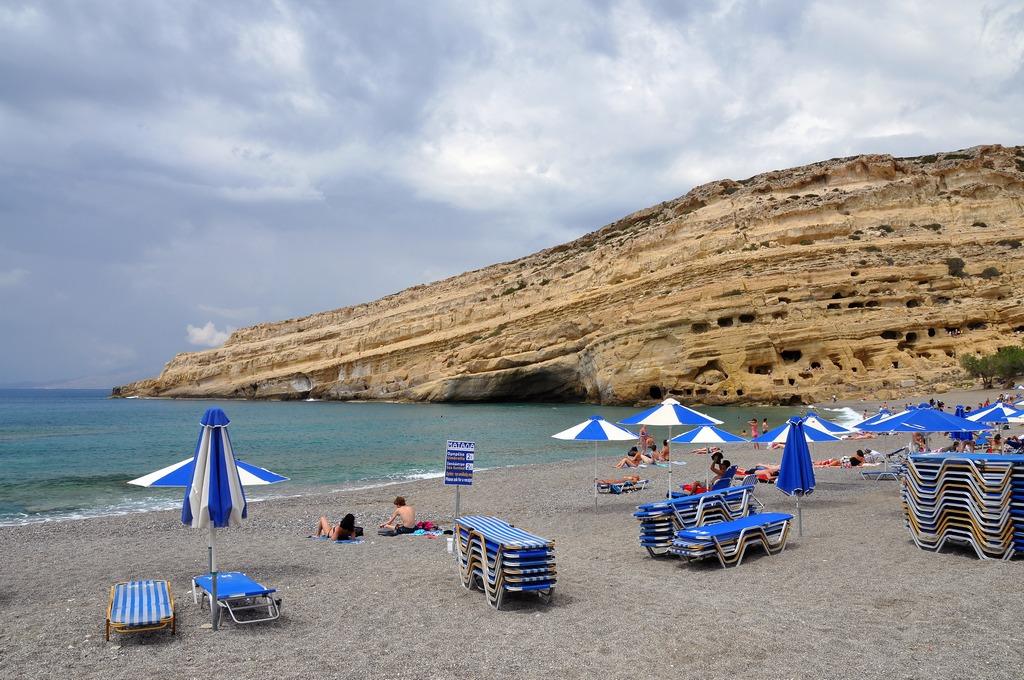 Matala Beach_Greece Beaches_Source commons.wikimedia.org