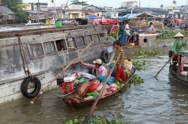 The floating market. Photo: canthotourist.vn