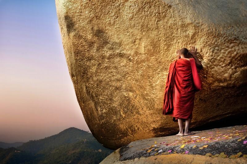 Myanmar pilgrimage site guide - Kyaiktiyo