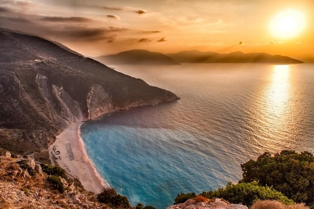 Myrtos Beach sunset_Greece Beaches_Source uniquekefalonia.com