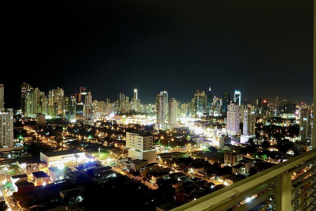 Panama_City,_Night_travel guides 15
