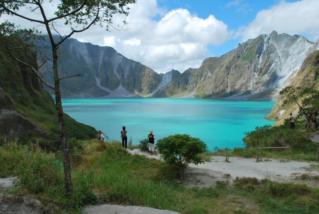 Philippines- lake pinatubo travel tips