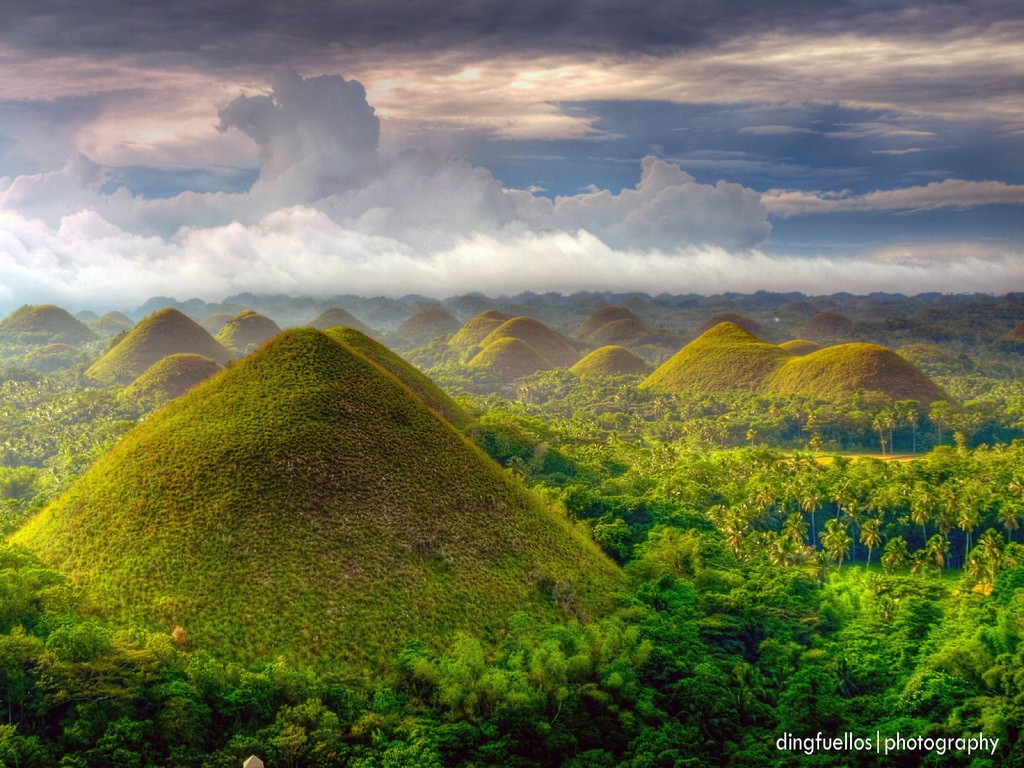 Philippines- socalate hills travel guides