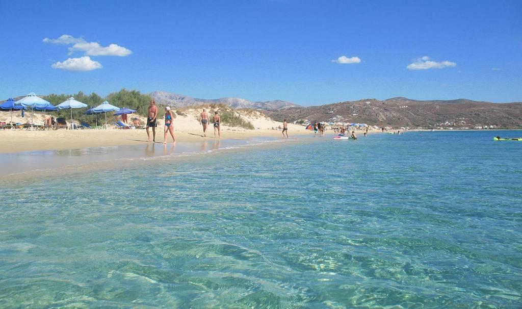 Plaka beach_Greece Beaches_Source www.seaandolives.com
