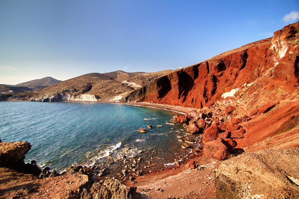 Red Beach is well-known and is in the top 10 best beaches in the world. Photo: top10bd24