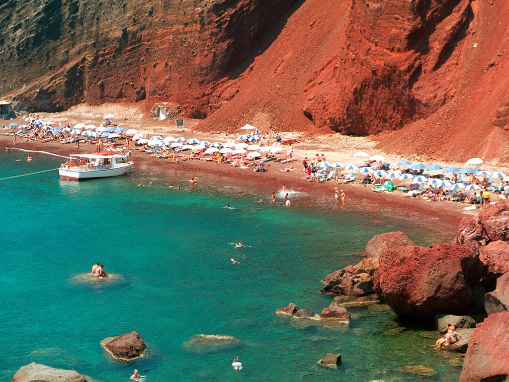 Red Sea Santorini_Greece Beaches_Source www.cntraveler.com