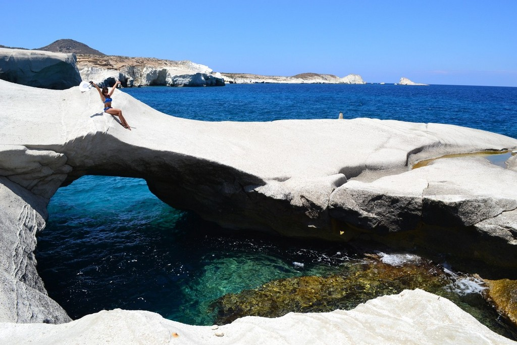Sarakiniko Beach Milos_Greece Beaches_Source www.trover.com