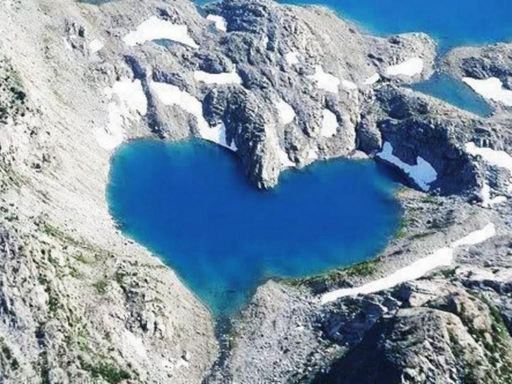 Shimshal Lake, Pakistan - www.addmyfoto.com