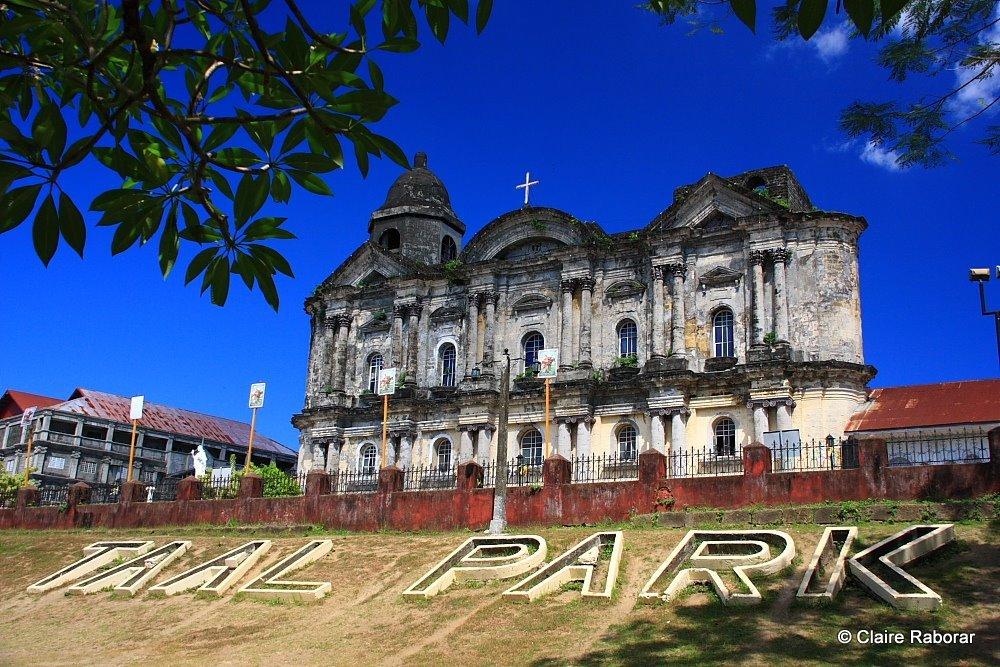 The ancient house with Spanish architecture in Taal village - Tagaytay highlands Philippines 10