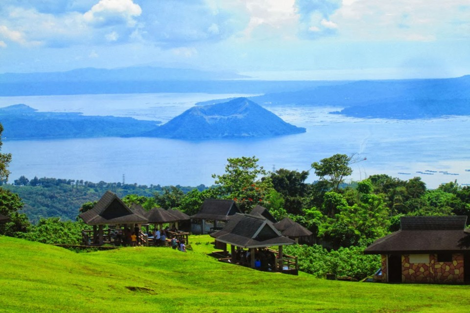 Tagaytay Highlands Philippiness Premier Destination For Relaxation on small houses in the philippines