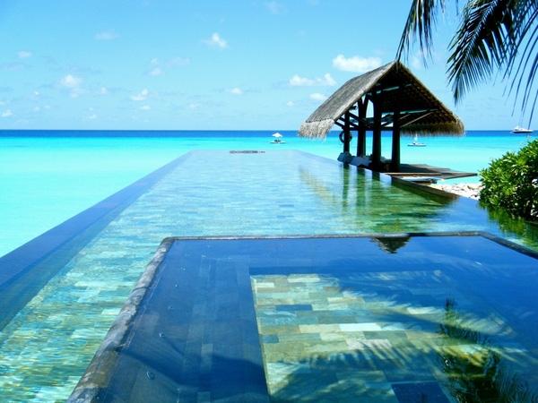 The Reethi Rah, Maldives travel guide