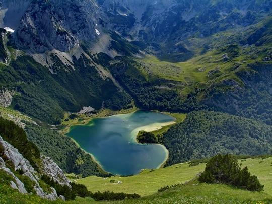 Trnovacko Lake, Montenegro - httpworldtoptop.com