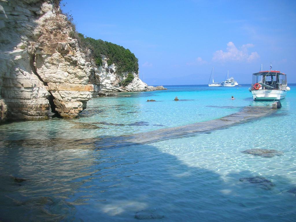 Voutoumi Beach_Greece Beaches_Source www.flickr.com