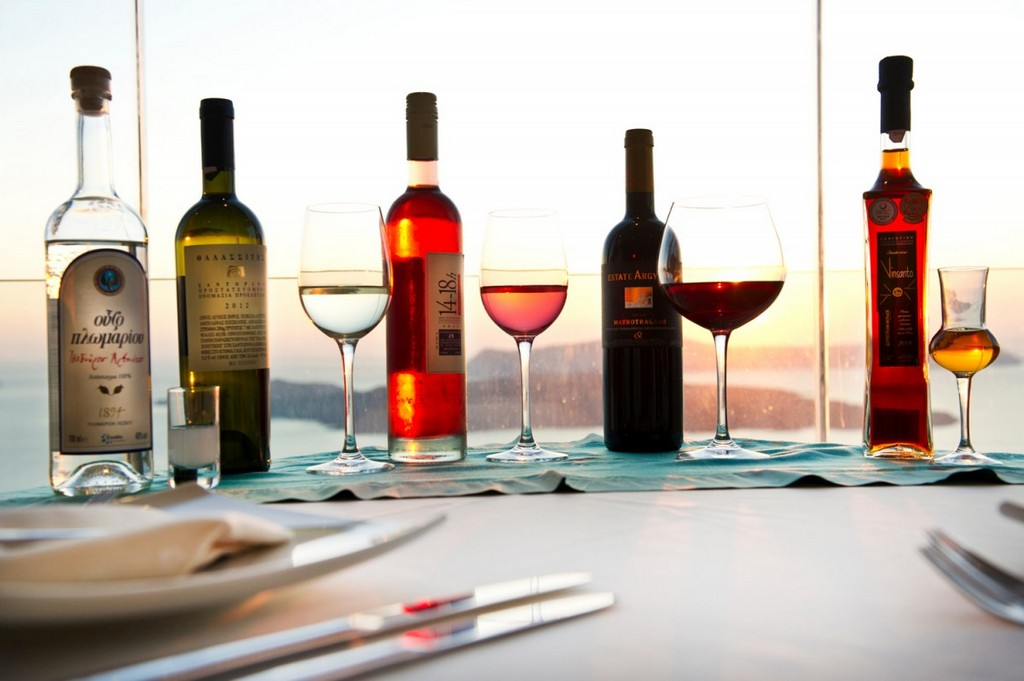 Wine-tasting Santorini - www.petitpalacesuites.gr