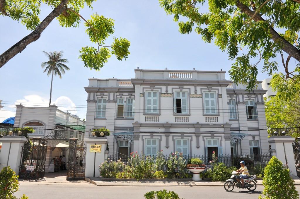 bac lieu dude mansion tourist destination 7