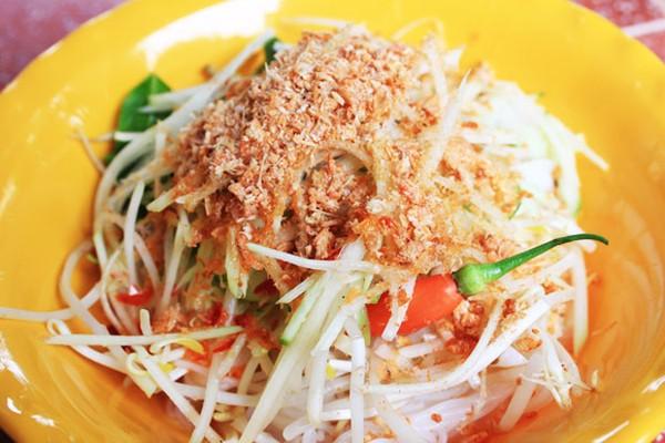 'Bún nhâm tôm khô'. Photo: ngoisao.net