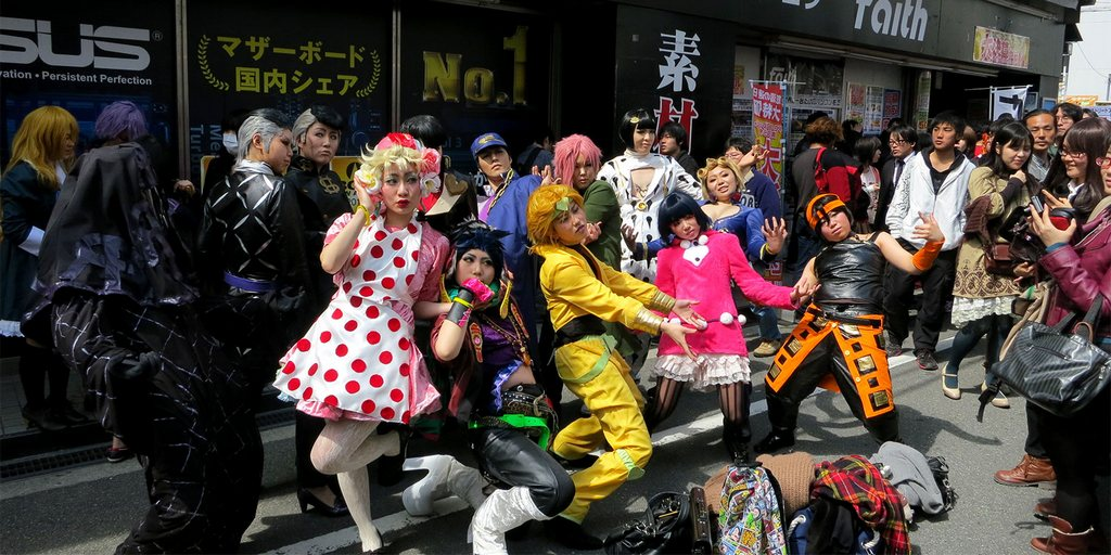 Coming to Den Den town, tourists can easily find cosplay on the street like this. Very interesting and unique Photo: gaijinpot