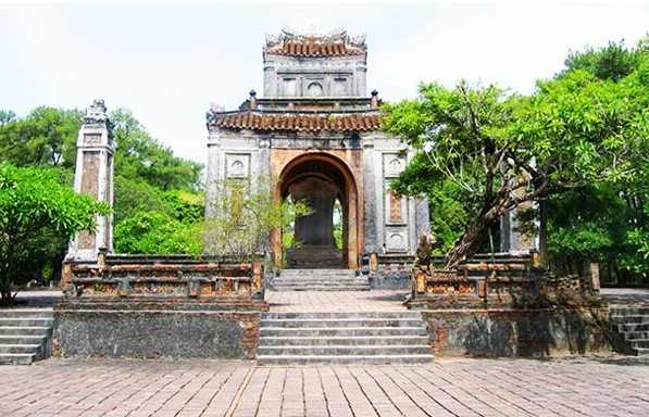 dong khanh tomb imperial hue historic maps address opening hours guide hue tourist attractions things to do g43