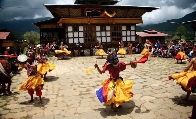 festival of bhutan travel guide