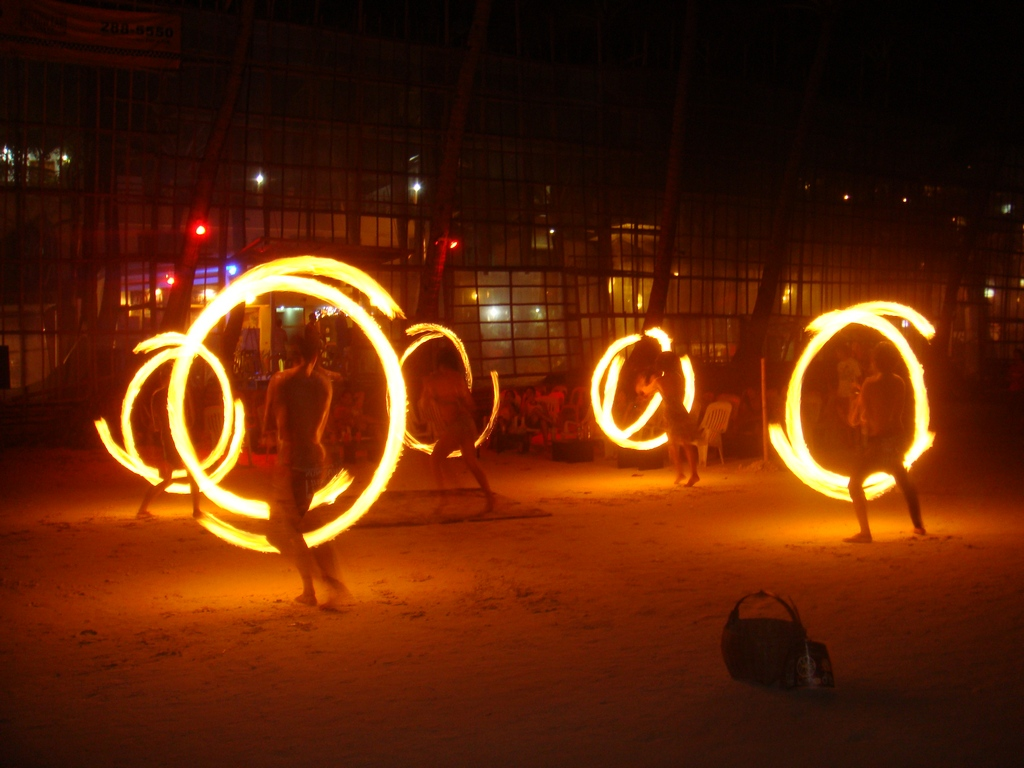 Fire dancing performance. Photo: mamatravels.wordpress.com