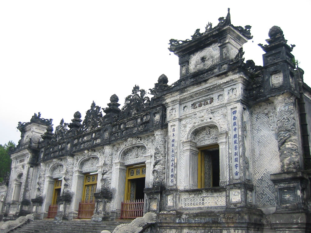 khai-dinh-tomb-imperial-hue-historic-maps-address-opening-hours-guide-hue-tourist-attractions-things-to-do-3