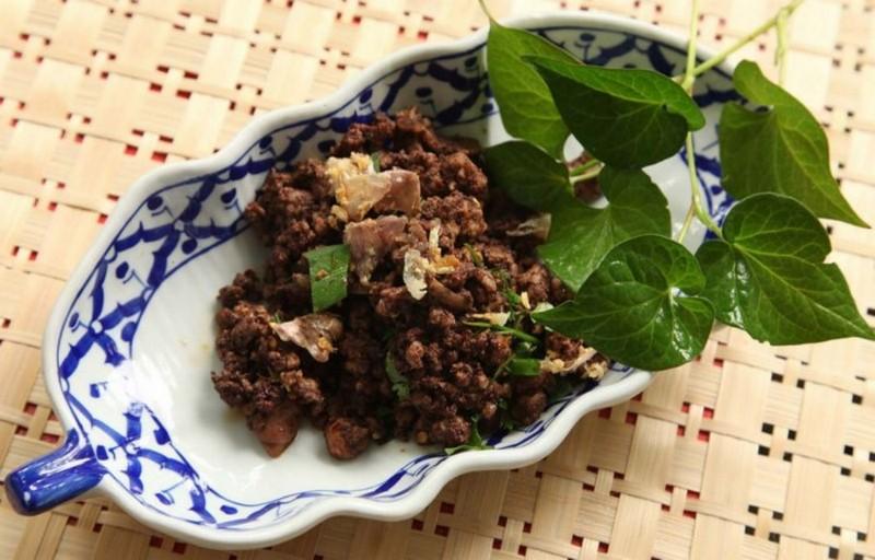 Larb (Thai Meat Salad)
