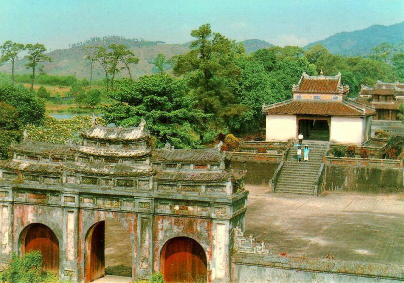 the majestic minh mang tomb