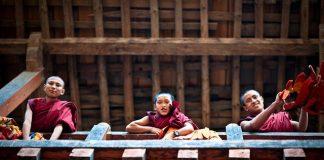 monks bhutan travel guide