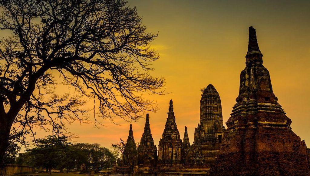 ayutthaya evening thai buddha old temples history destination
