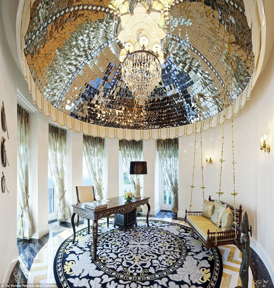 rajput suite room at taj mahal palace where prince william stay