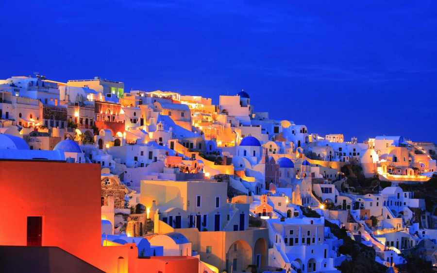 santorini island photo, greece Photo by: best honeymoon destinations in Europe blog.