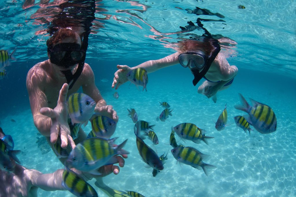 Snorkling. Photo: boracayleisuretravel.com