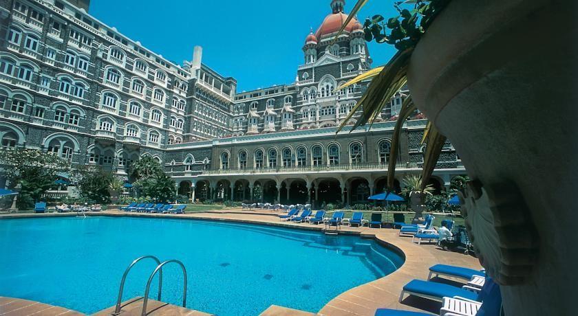 Taj Mahal Hotel Palace Mumbai The Favorite Hotel Of Celebrities Living Nomads Travel