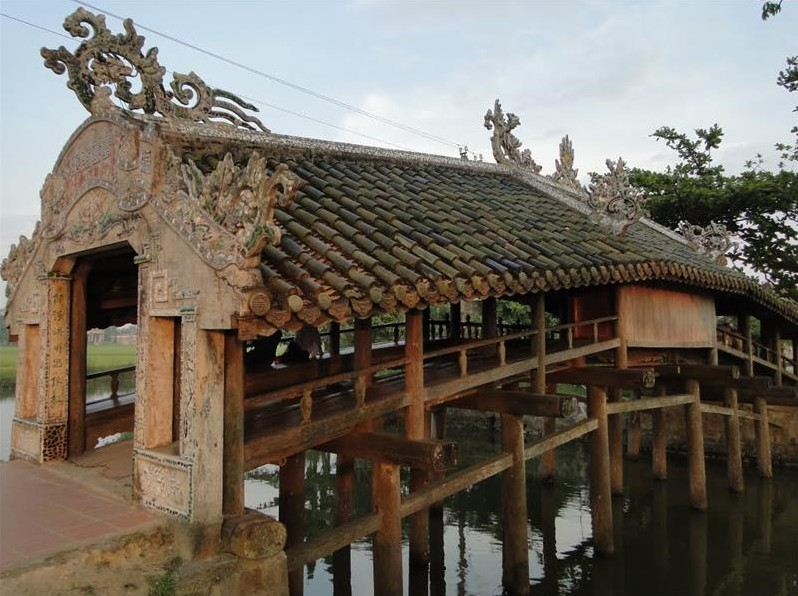 thanh toan japanese covered bridge maps address opening hours guide hue tourist attractions