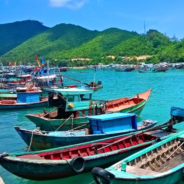 Traveling around by boats gives you incredible experience