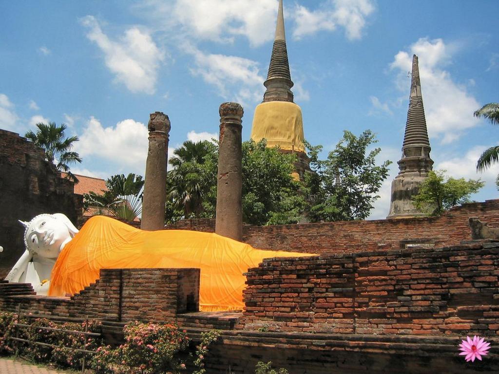 ayutthaya buddha thai history trip travel guide photo tourist attractions