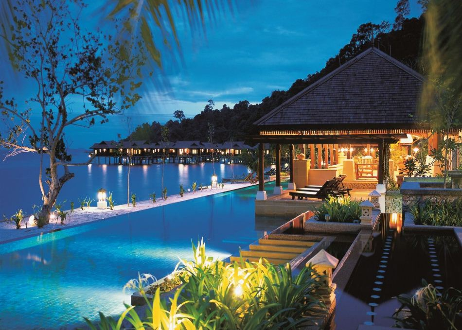 pangkor travel guide hotels