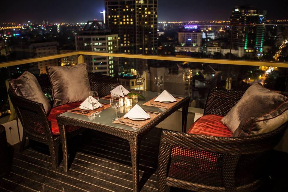 Skyline Hanoi rooftop bar