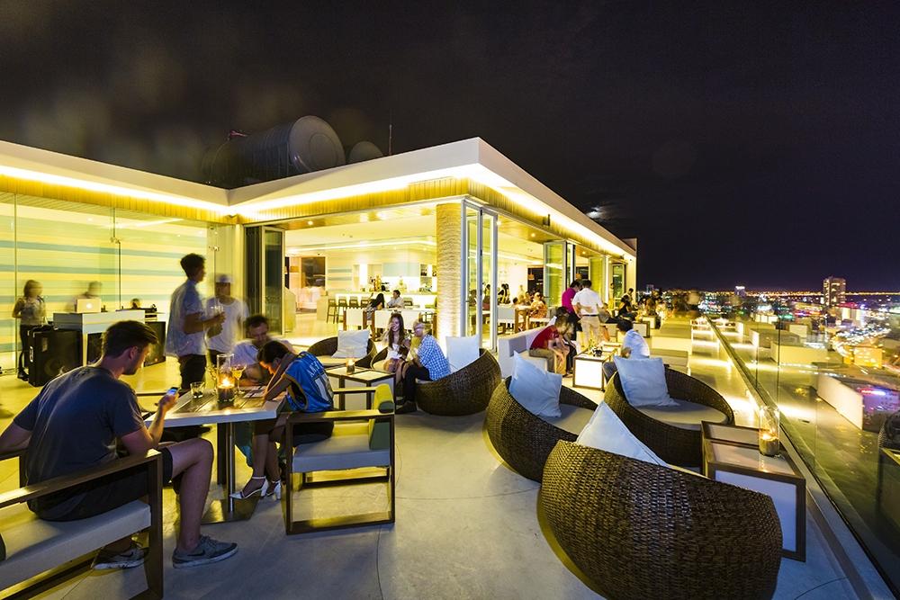 A-La-Carte-cafe danang vietnam